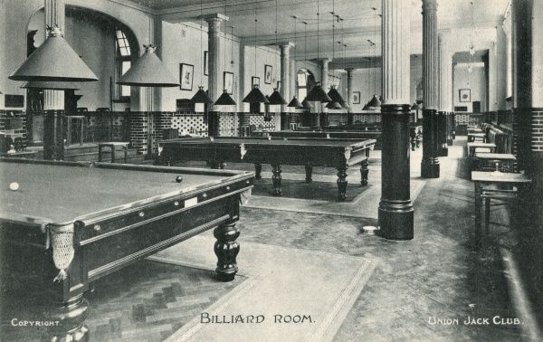 View of the Billiard Room at the Union Jack Club, Waterloo Road, Lambeth, London. The club opened in 1907 to cater for members and ex-members of the armed forces. Date: circa 1910s
