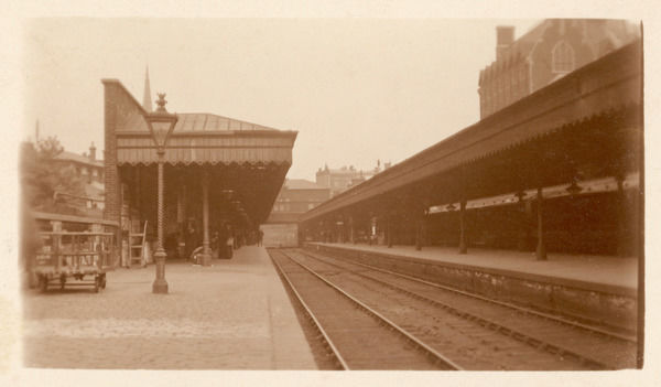 Blackheath railway station Looking Kent bound, and rather lacking passengers