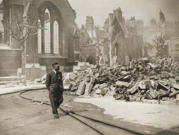 The centre of Bath, the view from Julian Road showing bomb damage to St. Andrews Church (left) after a German air raid - circa August 1940&quot