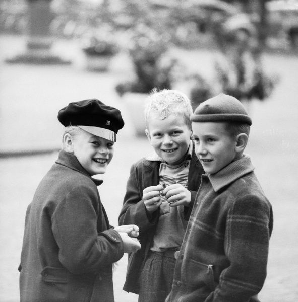 Three boys play with fulminating powder Date: 1950s
