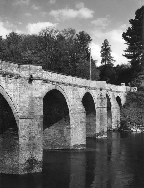 Bredwardine Bridge, Herefordshire, England, which spans the River Wye. It was built towards the end of the 18th century and restored in 1922. Date: 18th century