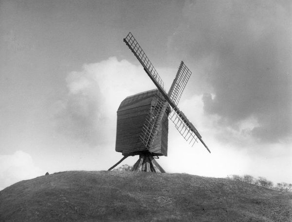 Brill Windmill, Buckinghamshire, England, built in about 1680, one of the few remaining post mills in the country. Date: late 17th century