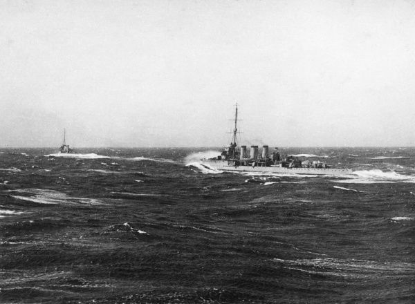 Ships of the British 3rd LCS (Light Cruiser Squadron) at sea during the First World War. Date: 1914-1918