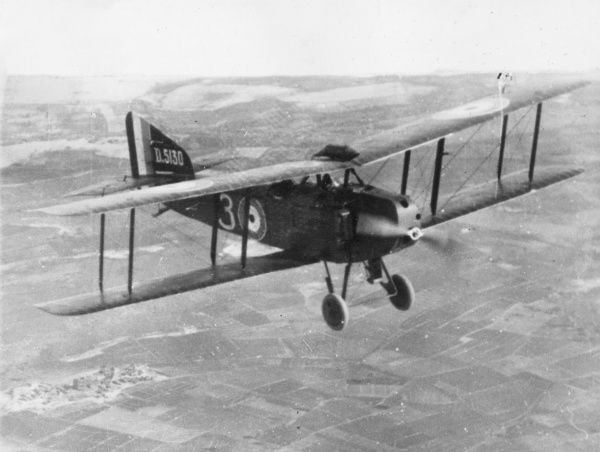 A British Armstrong Whitworth FK8 two-seater general purpose biplane in flight during the First World War. It had a 160hp Beardmore engine. Date: 1916-1918