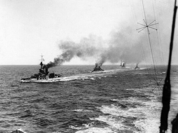 British battleships at sea during the First World War. Date: 1914-1918