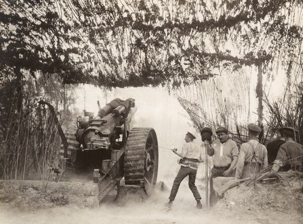 A British heavy Howitzer in action on the Somme, northern France, during the First World War. Date: circa 1916