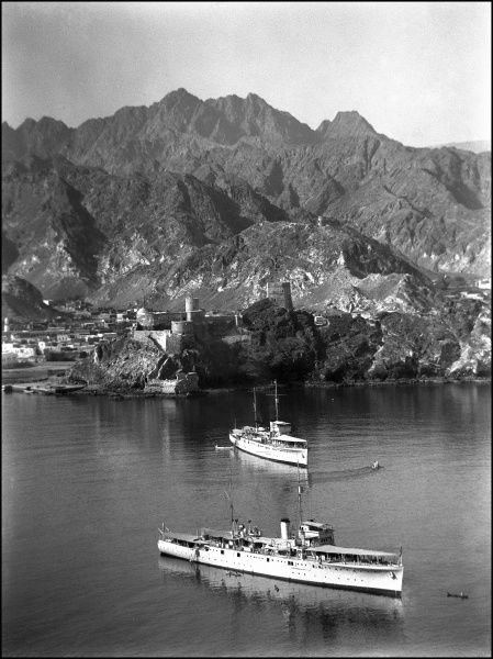 Scene with British naval boats at Muscat, capital of Oman. Photograph by Ralph Ponsonby Watts