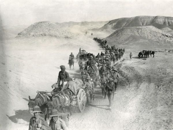 British transport crossing the Sakaltutan Pass during the First World War. This Pass across the Jebel Hamrin was evacuated by the Turks and occupied by the 8th Royal Welch Fusiliers on 3 and 4 December 1917. Date: December 1917