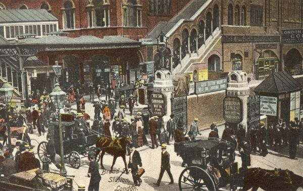 Passengers arrive by hansom cab or four-wheeler at the entrance to Broad Street Station, terminus of the Great Eastern Railway. Date: circa 1900