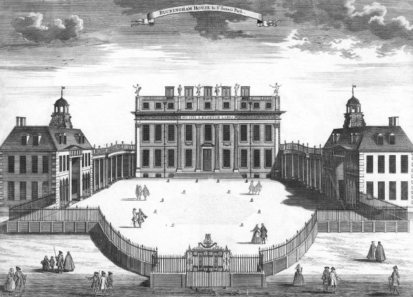 Buckingham House, built by the duke of Buckingham in 1703 : George III will buy it in 1762, Nash will improve it 1821-1836, and a new front will be added in 1913 Date: circa 1760