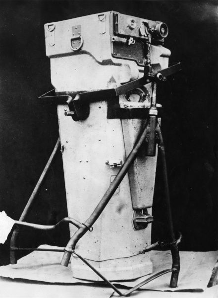 A camera used for air reconnaissance during the First World War. Date: 1914-1918