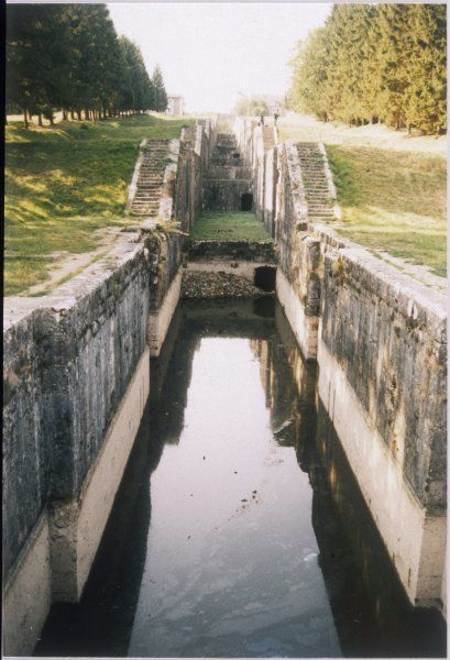 The seven stepped locks of the Canal de Loing at Rogny-les-sept-ecluses, near Montargis, now replaced by a more sophisticated arrangement to raise barges