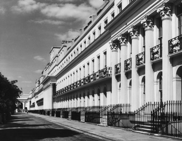 Chesterfield Terrace, Regent's Park, London, showing the symmetrical Neo-Classical architecture, including Corinthian capitals above fluted columns