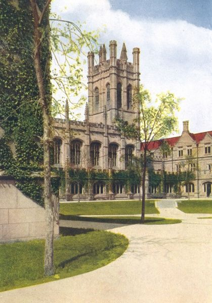 While not in the Ivy League, Chicago University seeks bravely to provide its students with a suitably academic ambiance. Date: 1916