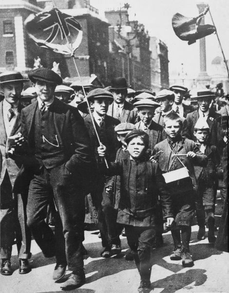 Children on the home front in England during World War I