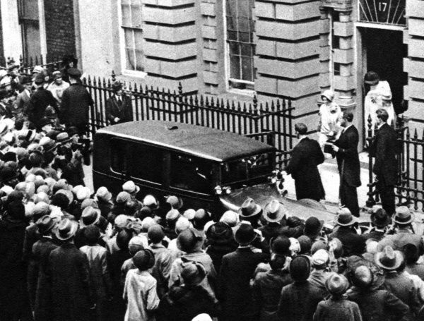 The Duchess of York (later Queen Elizabeth, the Queen Mother) leaving 17 Bruton Street, the Duke and Duchess of York's London address, for Buckingham Palace with her first baby on the occasion of her christening as Elizabeth Alexandra Mary