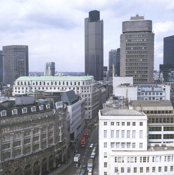 A fine overview of the City of London, England. Date: 1981