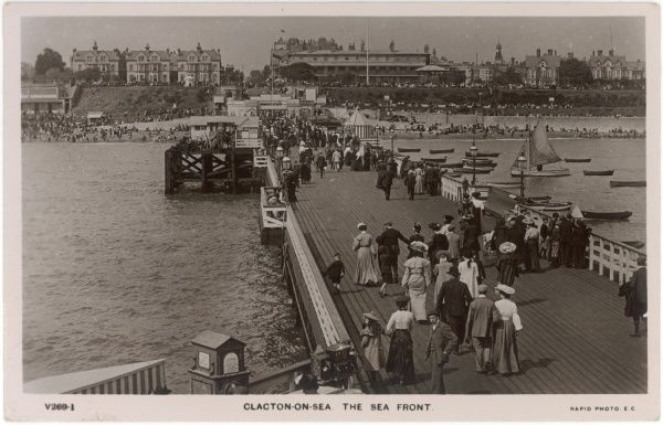 Clacton-on-Sea, Essex: the sea front and pier