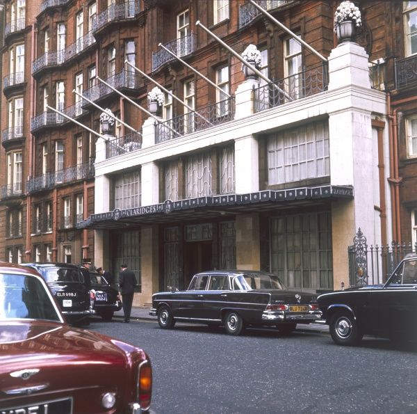 The front entrance of Claridges, one of London's premier hotels. Date: 1970s