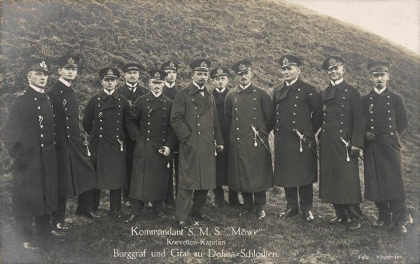 The commander and crew of the SMS Mowe