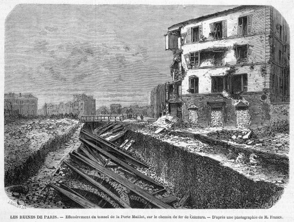 Destruction at the Porte Maillot - collapse of the railway tunnel as a result of the bombardment