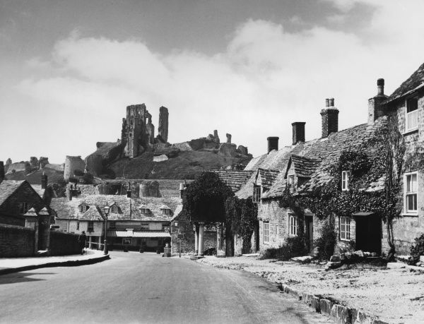 CORFE CASTLE It was built by King John and was one of the last Royalist stronghold in the English Civil War