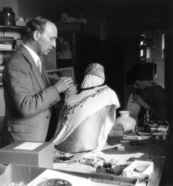 Making costume jewellery, Royal Shakespeare Company (RSC), Stratford-upon-Avon, Warwickshire, England. Date: 1960s
