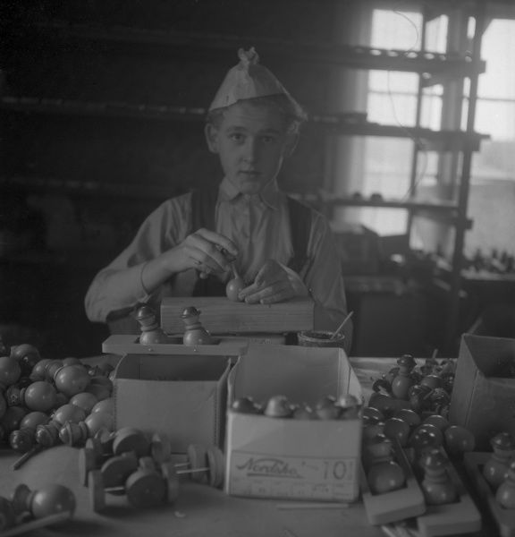 Cottage industry in Smaland, Sweden Date: 1940s