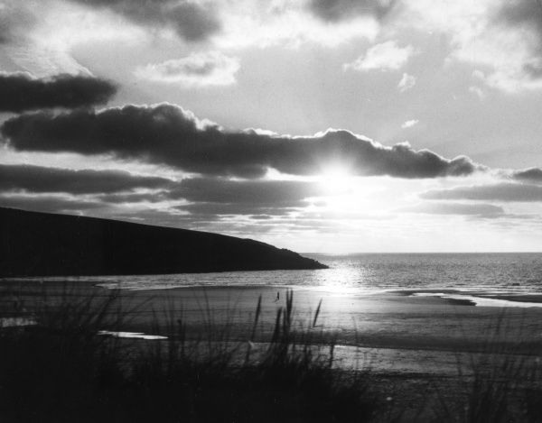 Ssunset over Crantock Bay, Cornwall, England. Date: 1960s