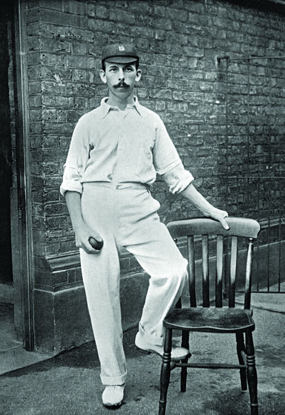 L.G. WRIGHT CRICKETER - DERBYSHIRE