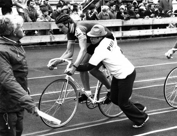A cyclist is given a push start at the beginning of the Nations Cup cycle race, Scotland. Date: 1980