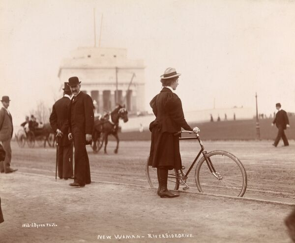 New Woman. Female bicyclist and onlookers on Riverside Drive, near Grant's tomb