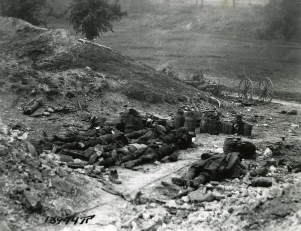 Dead American troops on the western front during the First World War. Date: 28 May 1918