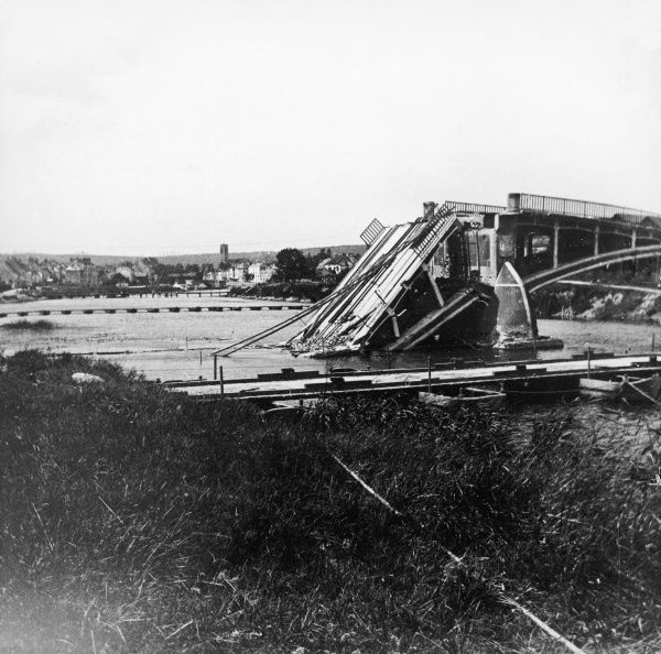 Destruction of the bridge over the Marne at Chateau Thierry to impede the enemy passage