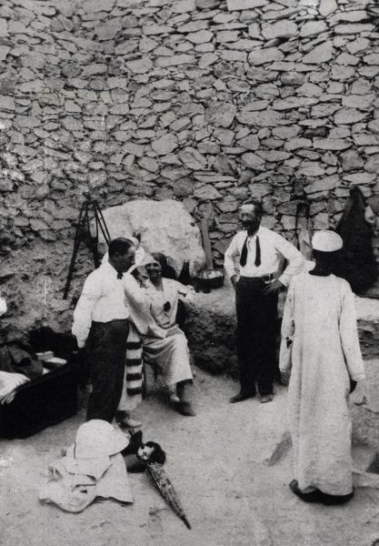 Howard Carter, Mrs Arthur Merton, Lady Allenby and Lord Carnarvon waiting to enter the newly discovered Chamber of Wonders