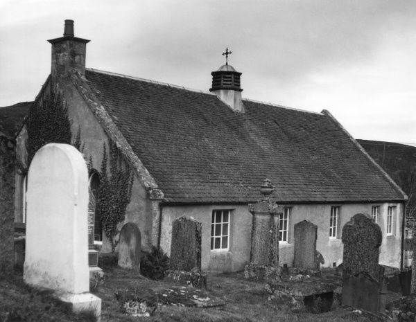 The little church and graveyard at Dunlichty, Inverness-shire, Scotland. Date: 1960s photo