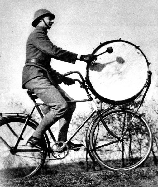 Photograph showing a Dutch army drummer of the Bicycle-Mounted Regiment; stationed at S'Hertogenbosch, September 1937