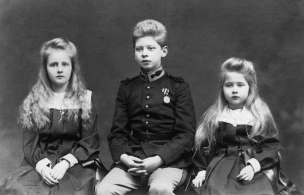 The three eldest children of King Ferdinand and Queen Marie of Romania and grandchildren of Prince Alfred of Edinburgh and Saxe-Coburg; (l to r), Elizabeth (Elisabetta), Carol (later King Carol II) and Marie