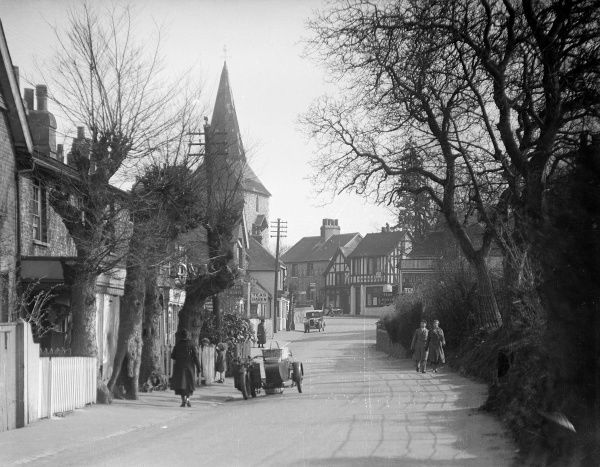 The picturesque village of Downe, near Orpington, Kent, England. Date: early 1930s