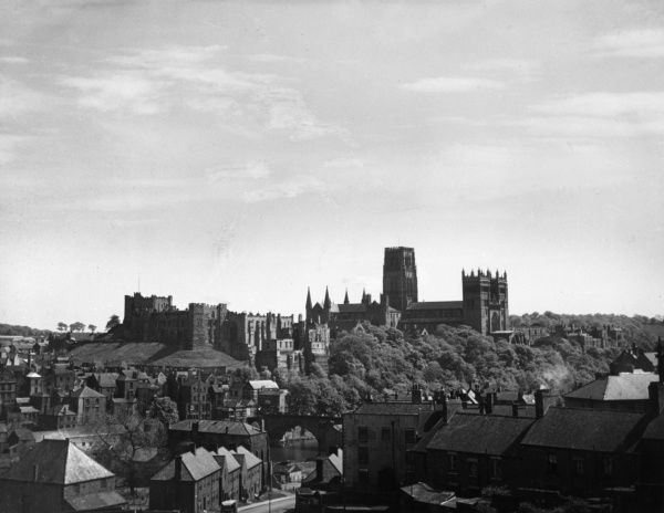 A fine view of Durham. County Durham, England. The city and the wooded valley of the River Wear are dominated by the Norman castle and cathedral. Date: 1950s