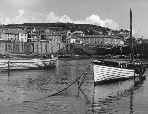 The harbour, Mousehole, Cornwall, England. Date: 1950s