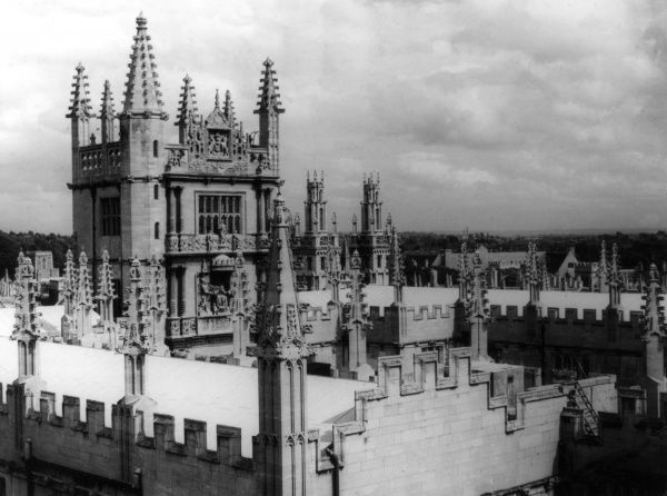 The 'Tower of the Five Orders' and the 'City of Dreaming Spires' skyline of Oxford, England. Date: 1950s