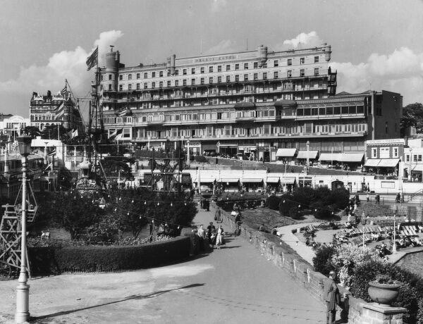 A glimpse of Pier Hill, Southend-on-Sea, Essex, with its impressive Palace Hotel