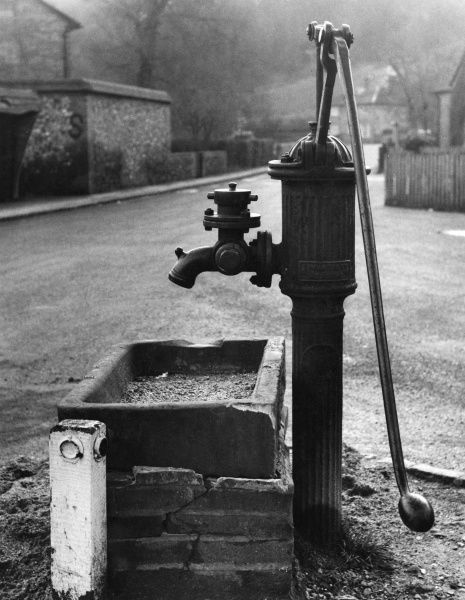 An old water pump, England. Date: 19th century