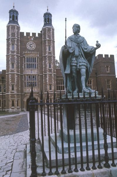 A bronze statue of Henry VI, erected the early 18th century by the then provost, Dr. Godolphin, in the Quadrangle of Eton College, Berkshire, England. Date: 1972