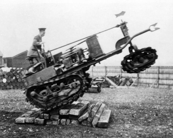 Experimenting with tank tracks during the First World War. Date: circa 1915-1918
