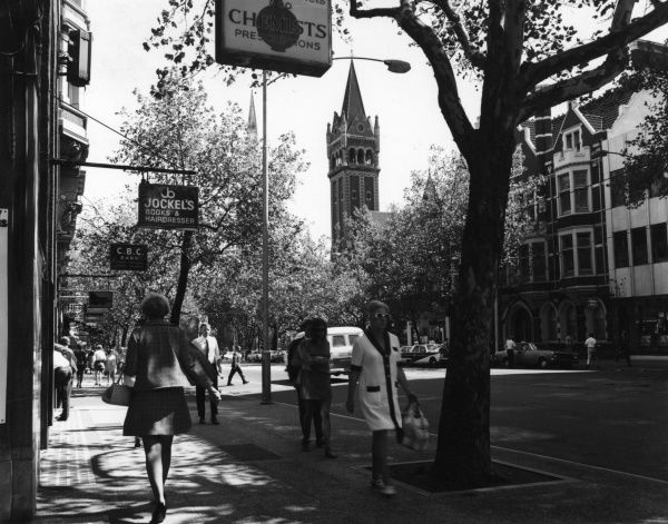Shoppers on Collins Street, in the heart of fashionable Melbourne, Australia. Date: 1960s