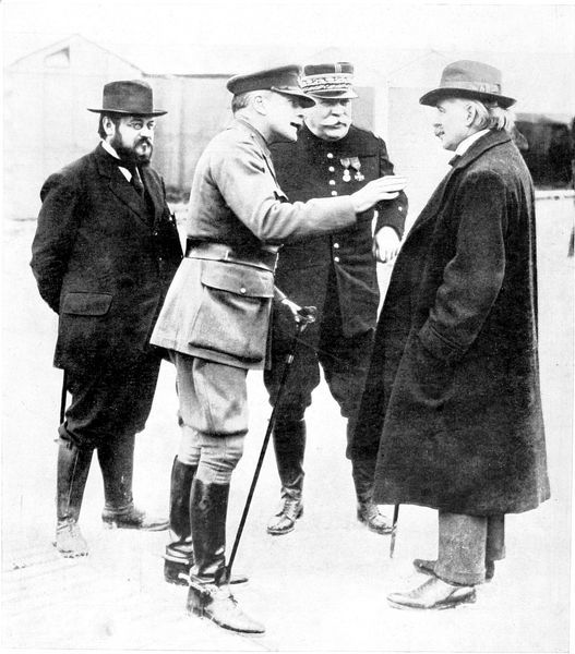 A photograph of a meeting between political and military leaders of the Allies in France, 1916