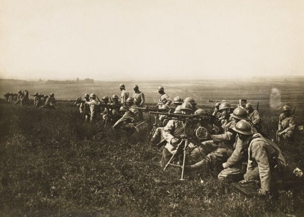 French machine-gunners, Aisne, on the French front during World War I in 1916