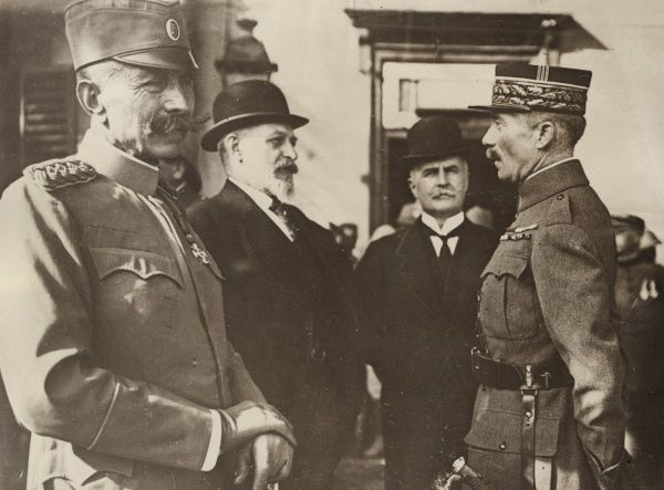 French and Serbian allies at Salonika (Thessaloniki), Greece, during the First World War. Vojvoda (Field Marshal) Petar Bojovic (1858-1945) of the Serbian Army is on the left, and an unidentified French General on the right.  1918